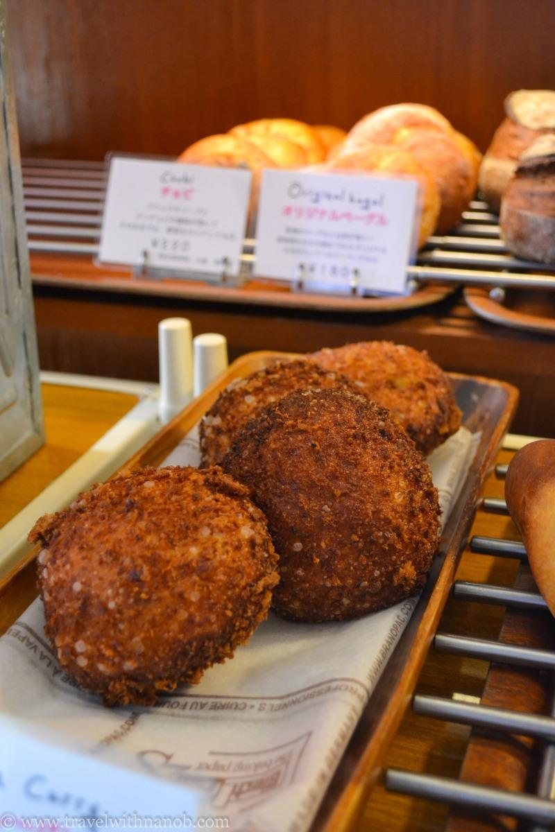 totoro-shirohige-cream-puff-factory-1