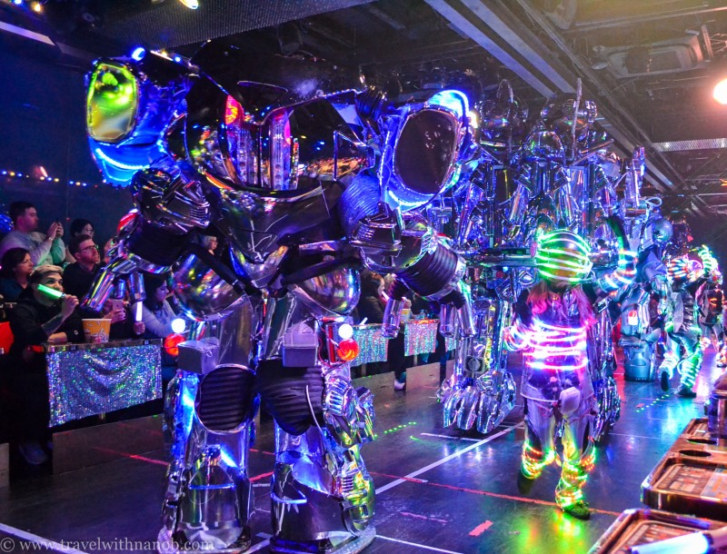 robot-restaurant-tokyo-28