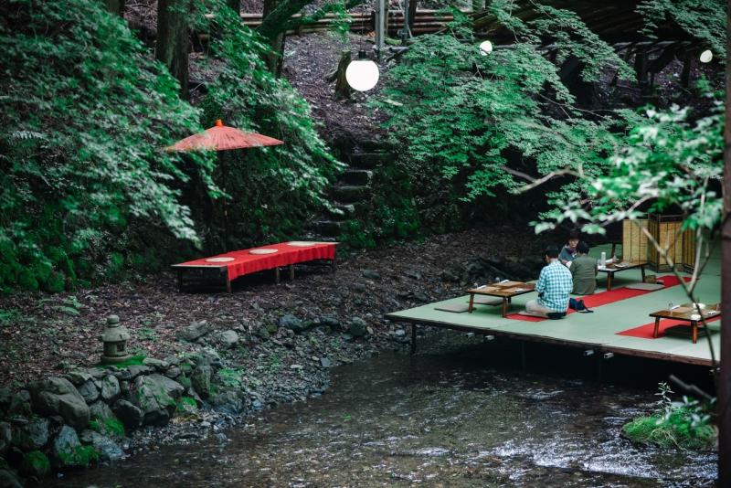 nagashi-somen-kawadoko-kibune-kyoto-1